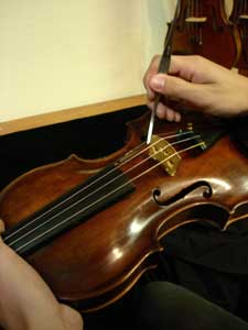 Violin that is having soundpost installed
