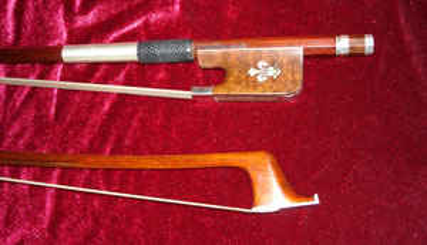 Silver Arcos Brasil Fleur de Lis Snakewood Cello Bow