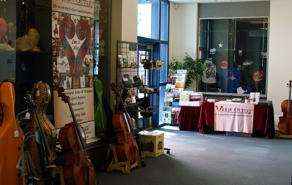 Violin Outlet sets up shop at Cello Day 2016